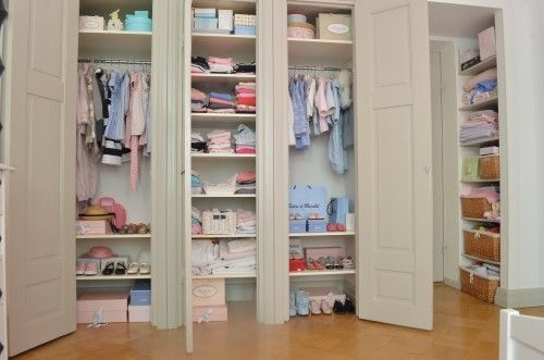 I love this wardrobe! And all the clothes and shoes inside!!!