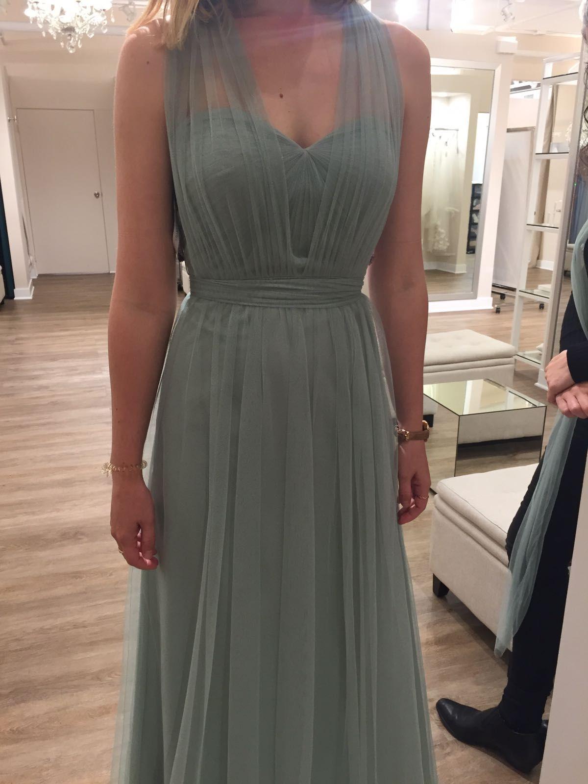 Bridesmaids'dresses in sage
