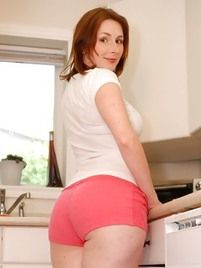 Moms Shorts Pics At Naked Mature Moms