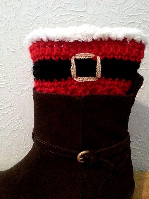 Free Crochet pattern: Santa Boot Cuffs | Crochet | Pinterest | Gorros