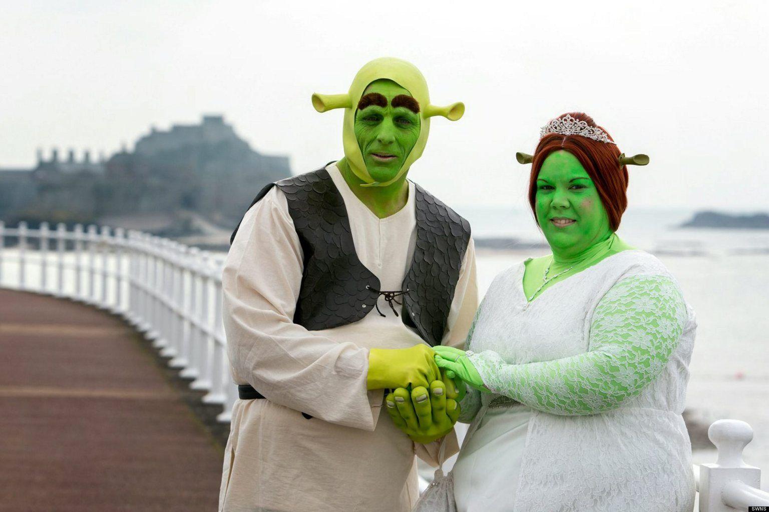 Photos This Shrek Themed Wedding Is Intense Funny Wedding Vows Movie Theme Wedding Wedding Quotes Funny
