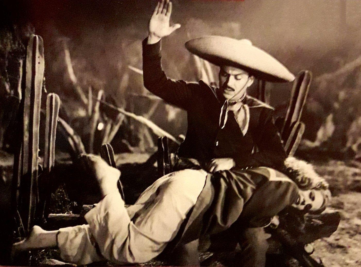 En La Cinta La Dama Y El Charro 1949 Con Rosita Quintana