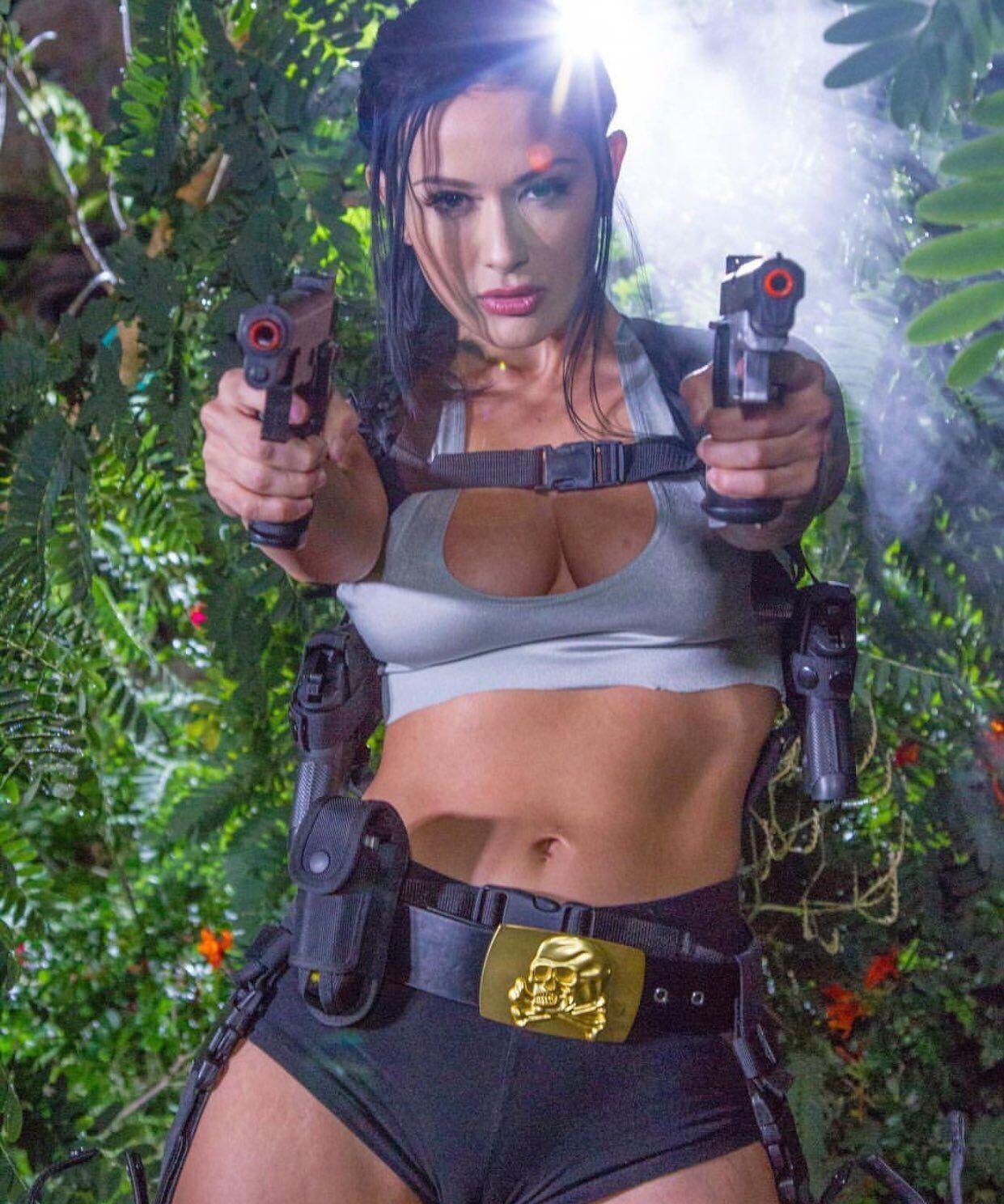 Lara Clancy Nude Photos 100