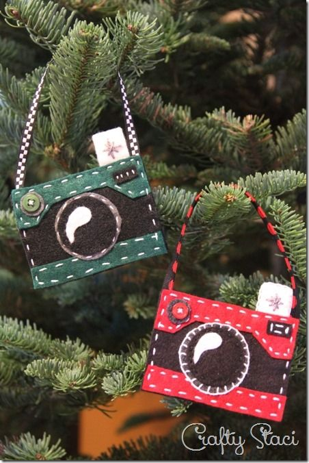 I was playing with some felt recently, and thinking about all the camera  fans I've met through my shop. I know I like to have some ornaments on our  tree ... - Felt Camera Ornament I'm ALWAYS Looking For Christmas Ornament