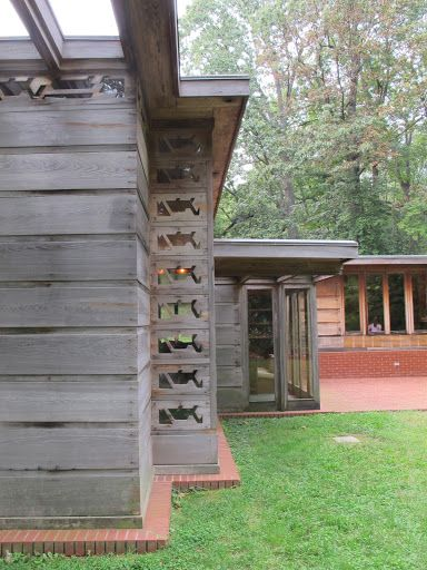 With so many windows it is easy to realize Frank Lloyd Wright's appreciation for nature.