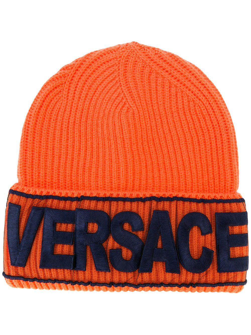 5a8befc30 Versace Logo manifesto beanie   Pakaian in 2019   Versace logo ...