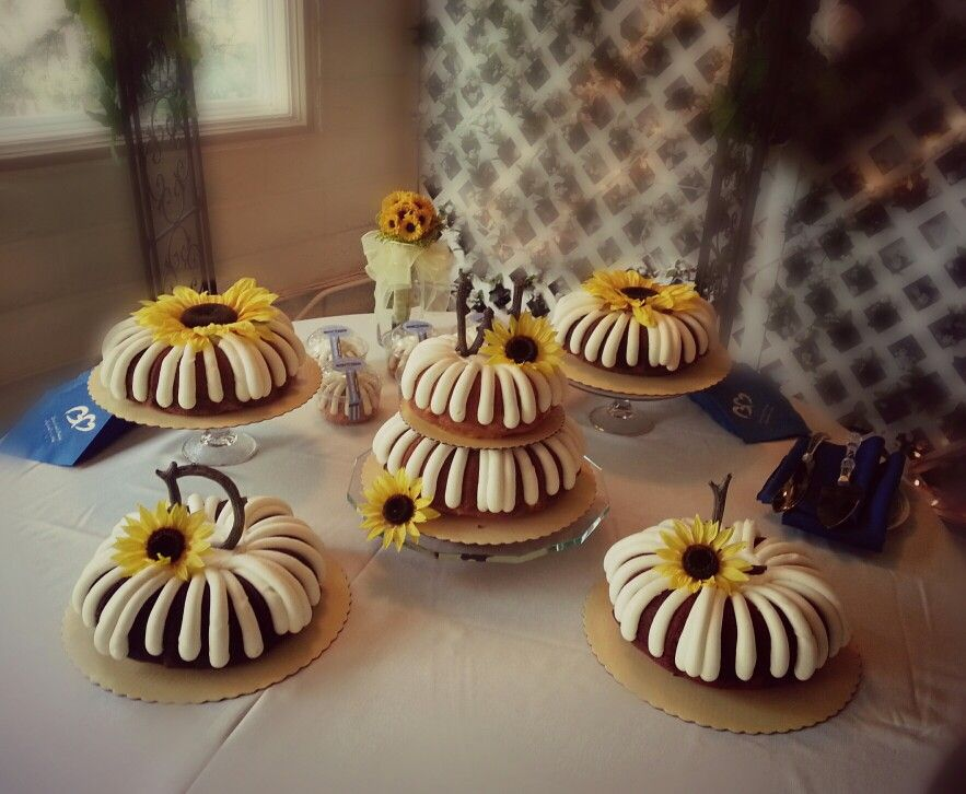 Country wedding in the mountains nothing bundt cakes