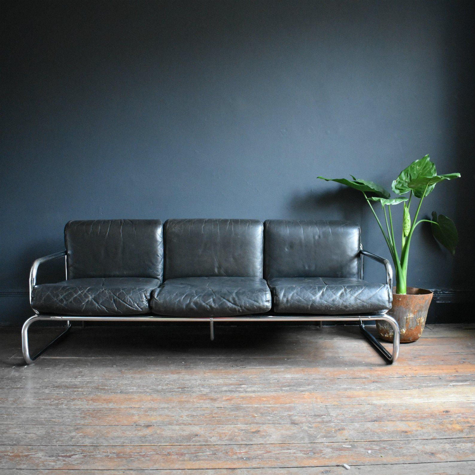Mid Century Black Leather And Chrome T2 Sofa By Rodney Etsy Black Leather Sofas Leather Sofa 3 Seater Leather Sofa