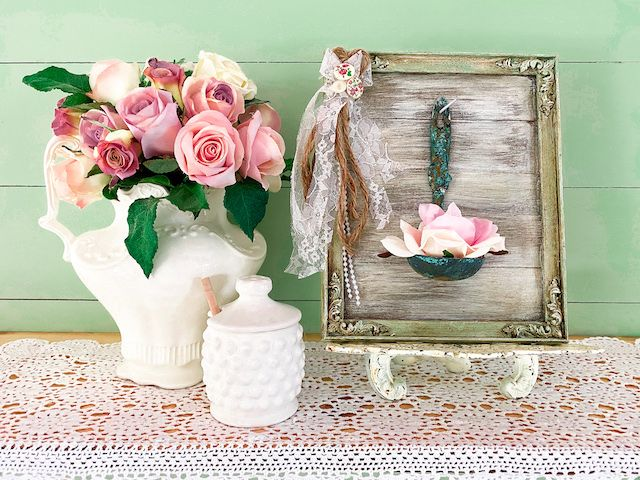 Make this DIY Rustic Shabby Chic Home Decor project today  with this easy Tutorial. #shabbychic #homedecor #easy