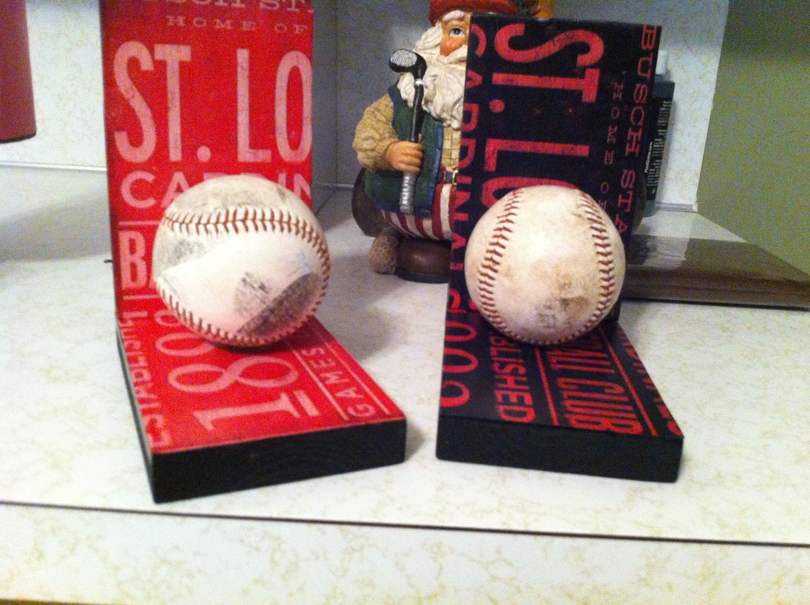 Cardinal Baseball Bookends