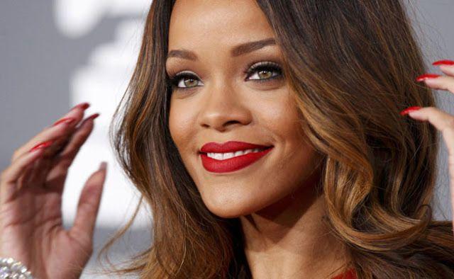 Estilo das famosas: Rihanna | Maquiagem para pele negra, Pele ...