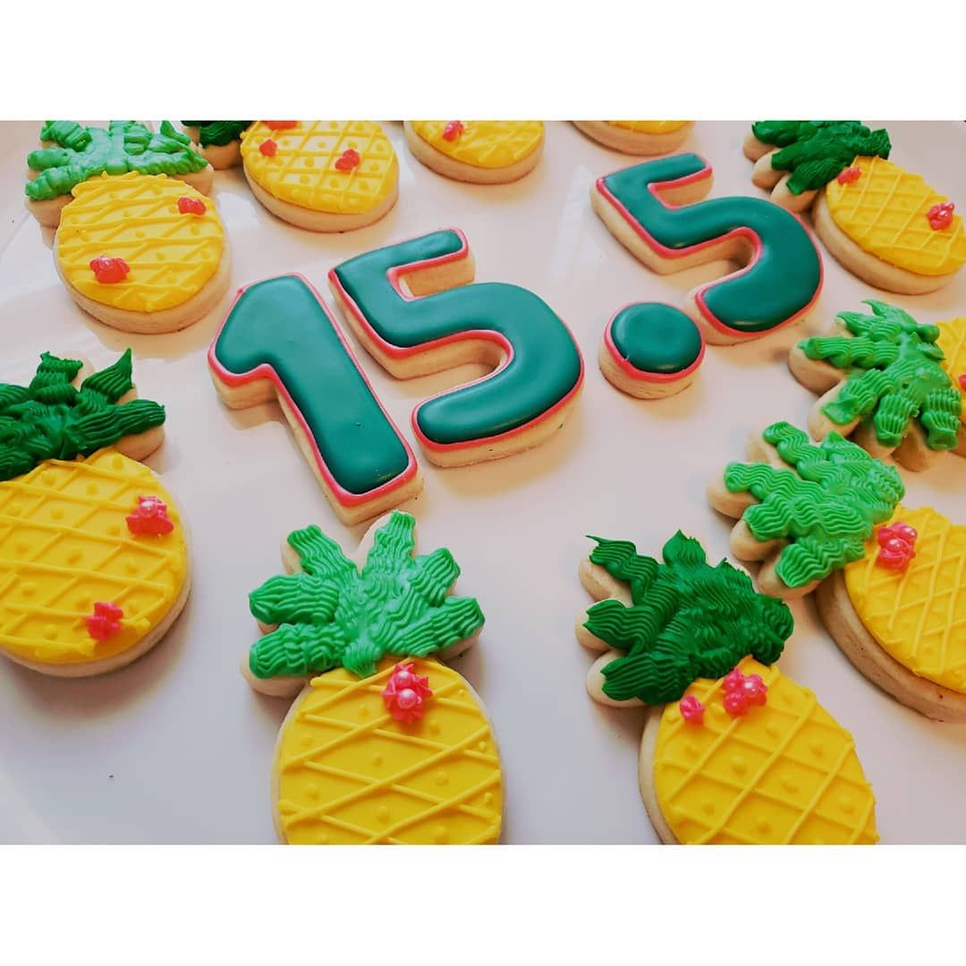 Pineapples for a 15.5 Birthday Party!   #BakeMyDayByCat     #SugarCookies     #RoyalIcing     #Birth...