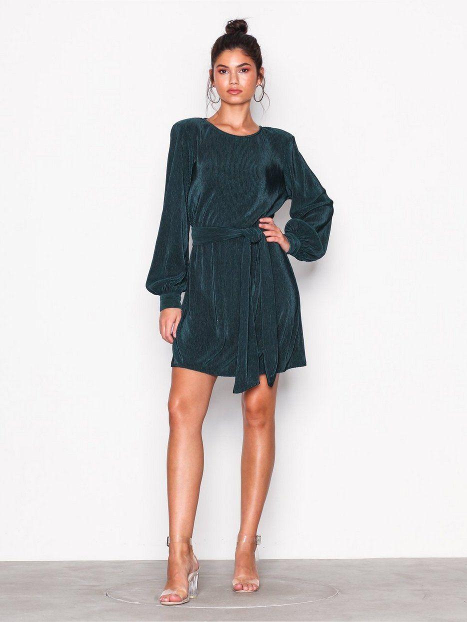 59ad3182c363 Belted Pleated Dress - Nly Trend - Mørk Grønn - Kjoler - Klær - Kvinne -