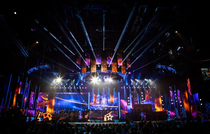 Atomic Lighting was thrilled to work with Lighting Designer Carlos Colina to make the 2013 Latin Grammy Awards shine!