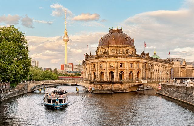 Berlin has always been such an intriguing city to me. I mean, where else in the world can you swim in a cargo container in a pool that's in a river, go out partying on Monday morning, drink a 60 cent