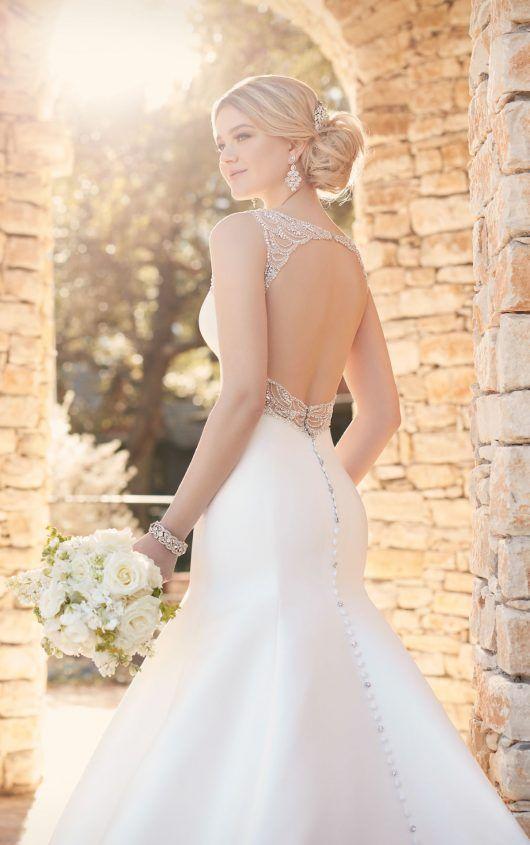 Fit and Flare Wedding Dress with Keyhole Back | Rücken, Ausschnitt ...