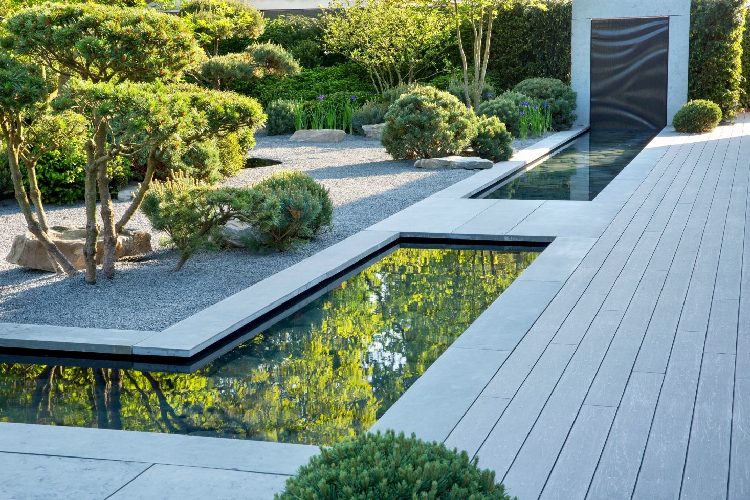 9 Ideas To Steal From Britain S Up And Coming Garden Designers Gardenista Contemporary Garden Design Modern Landscaping Modern Garden Design