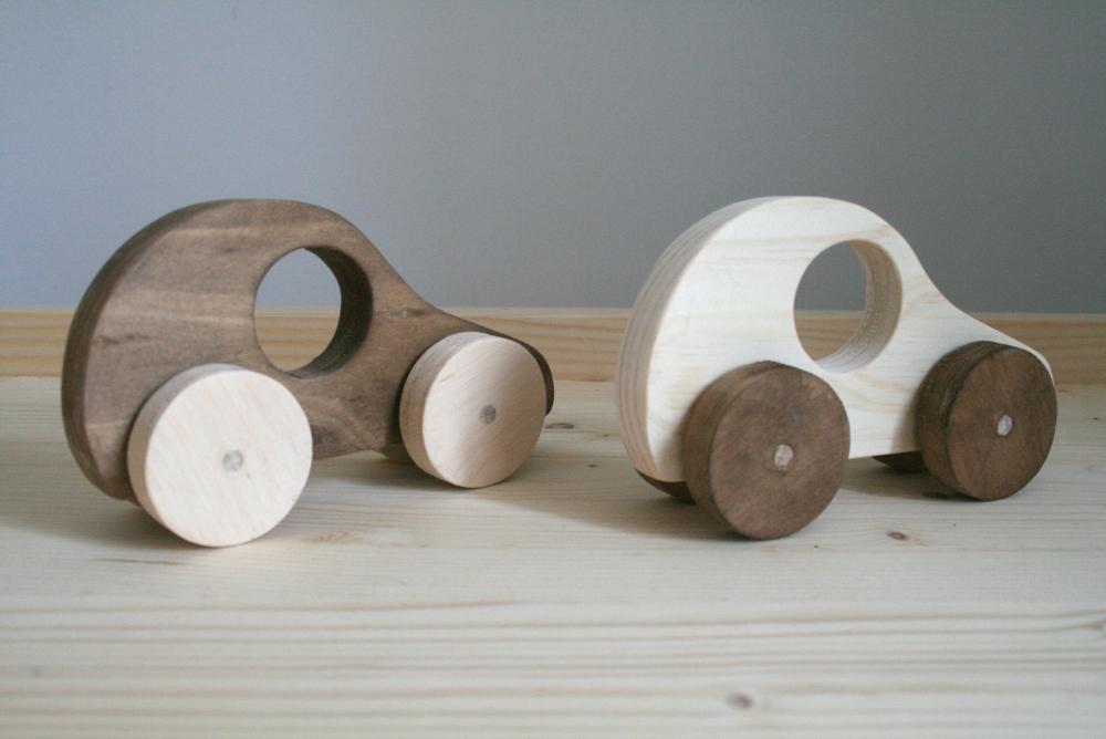 petite voiture en bois de r cup ration de palette reclaimed pallet wood car toy woodworking. Black Bedroom Furniture Sets. Home Design Ideas