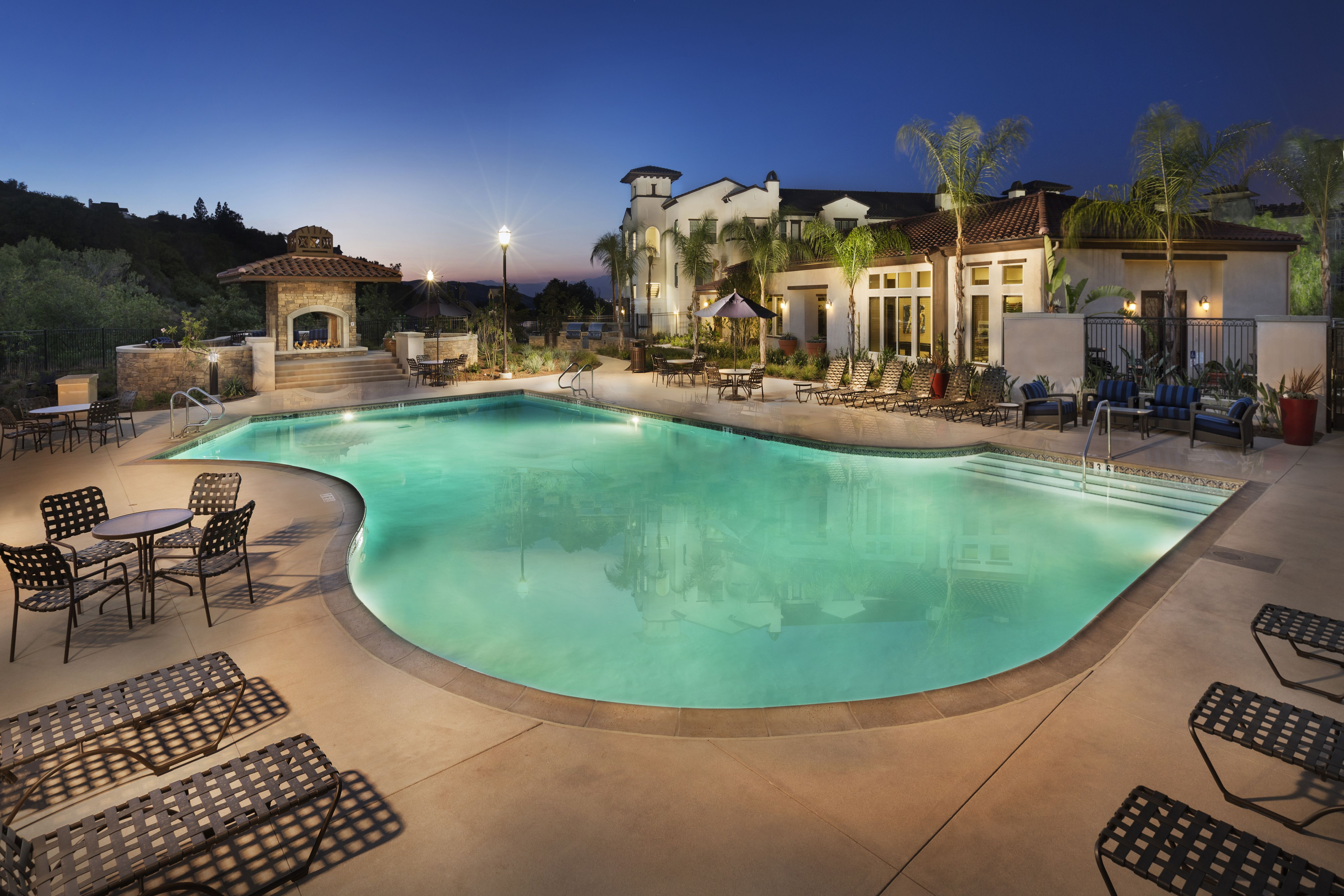 Palisades At Sierra Del Oro S Beautiful Community Pool Corona Luxury Apartments