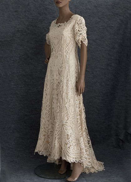Battenburg Silk Lace Wedding Dress C 1905 Made From Hand Embled The Long Princess Line Shaping Fits Smoothly Through Upper
