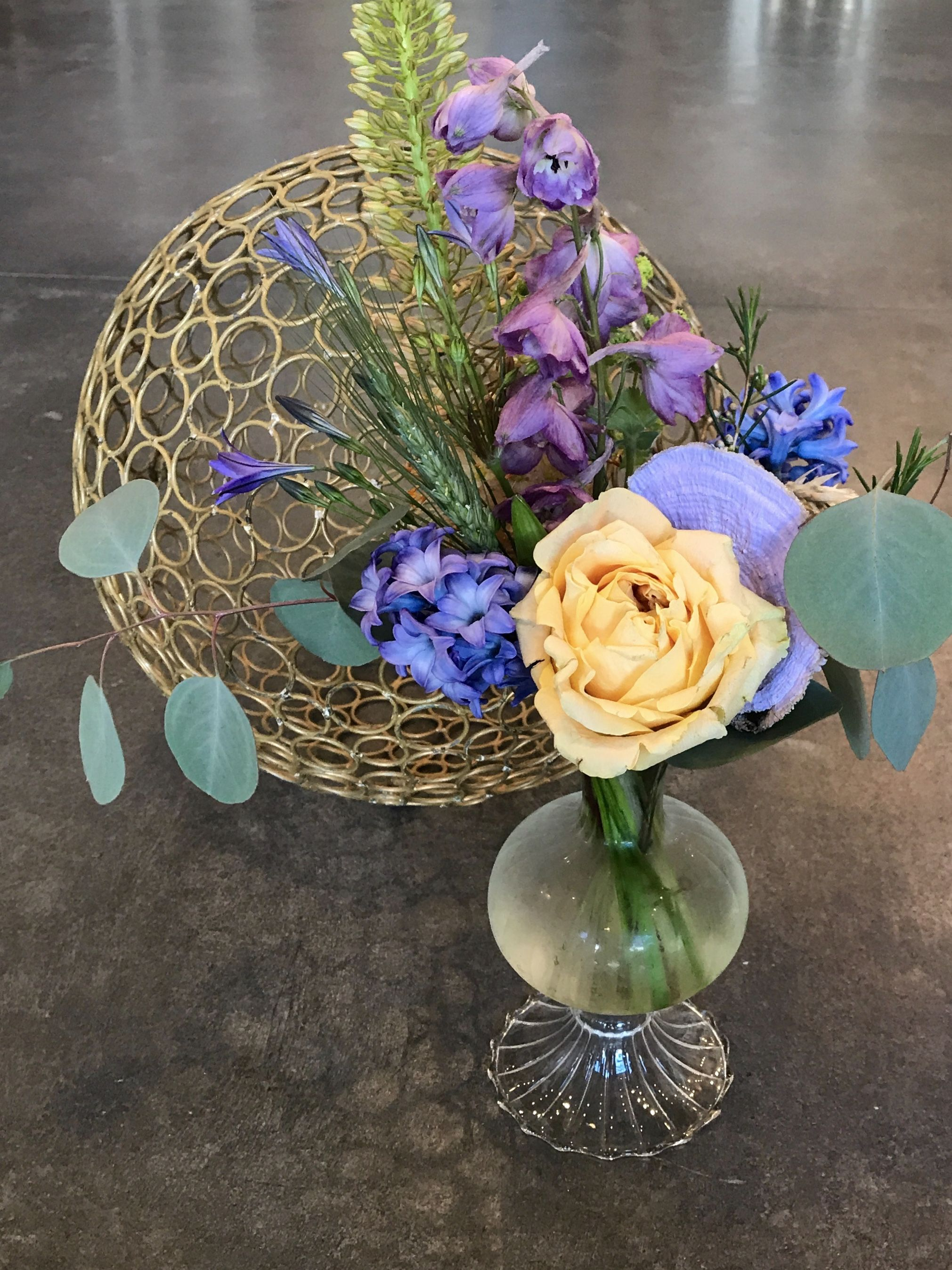 So Fresh And So Modern - #Florist #Rochesterflorist #Floristrochesterny #Summerflowers