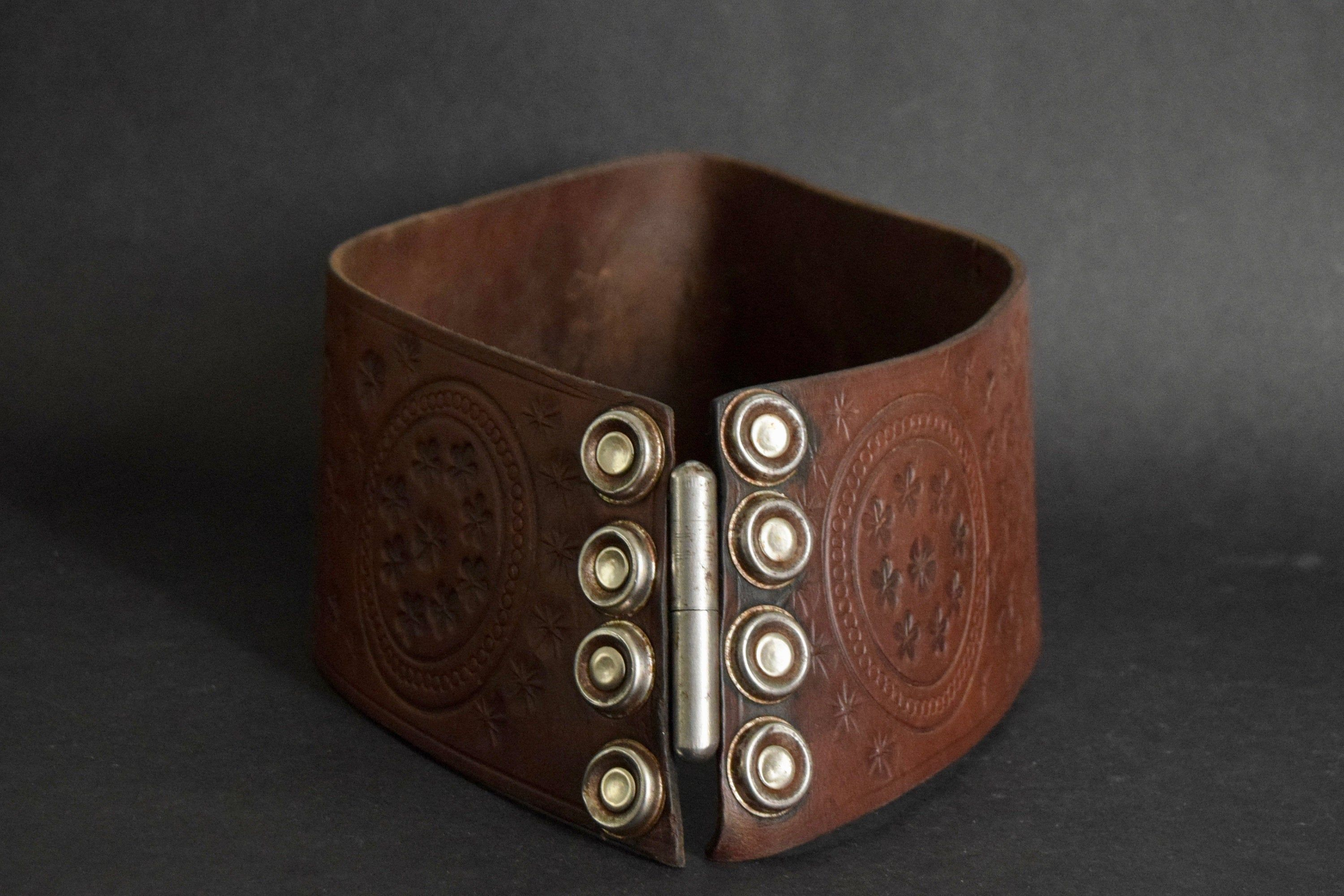 Thick Leather belt – Boho – Boho – Hippie – Edelweiss – Vintage Of the Seventies