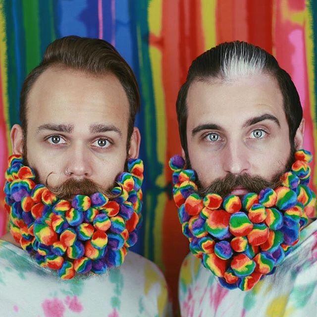 Картинки по запросу paillette dans la barbe