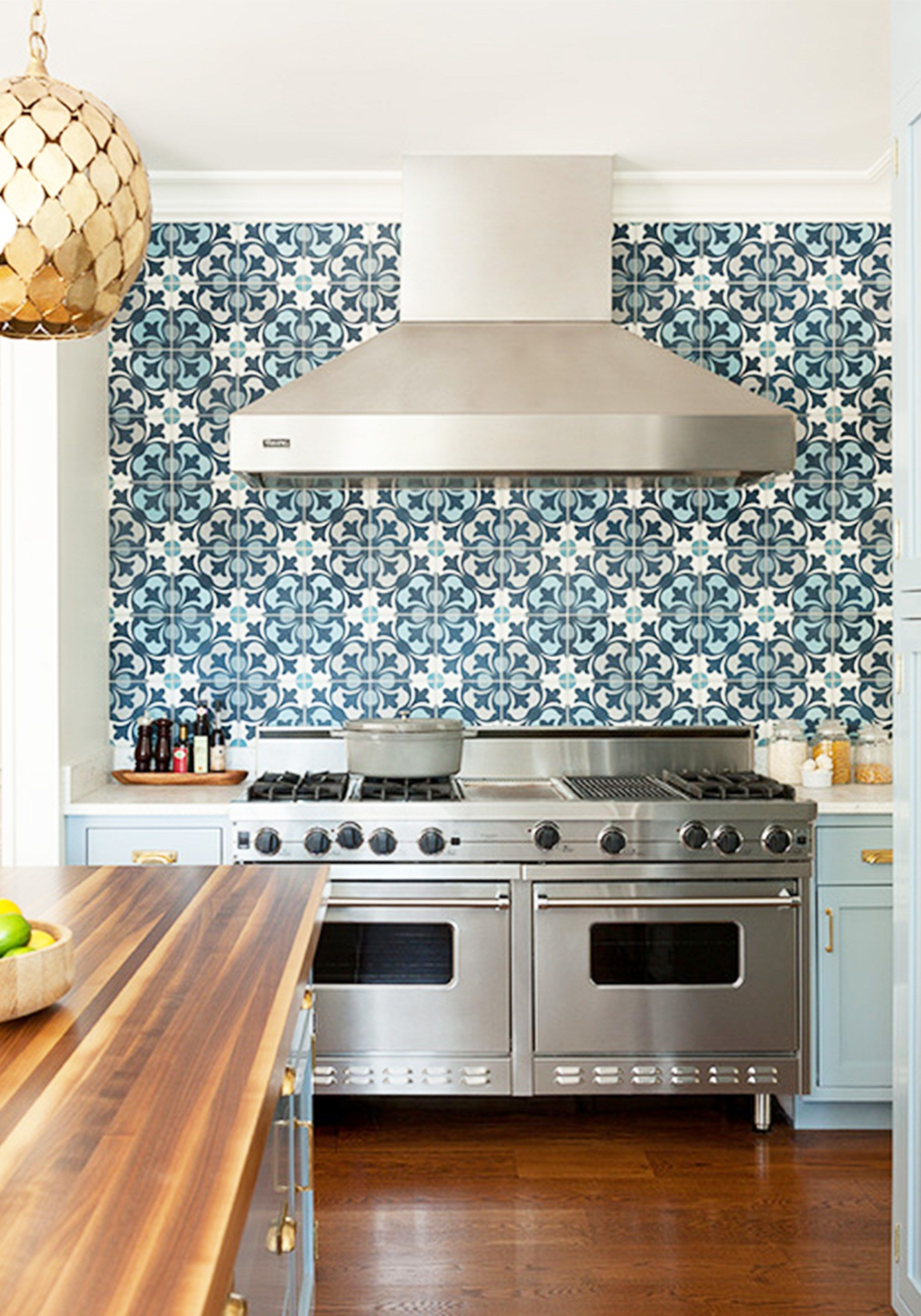 - 17 Tempting Tile Backsplash Ideas For Behind The Stove Kitchen