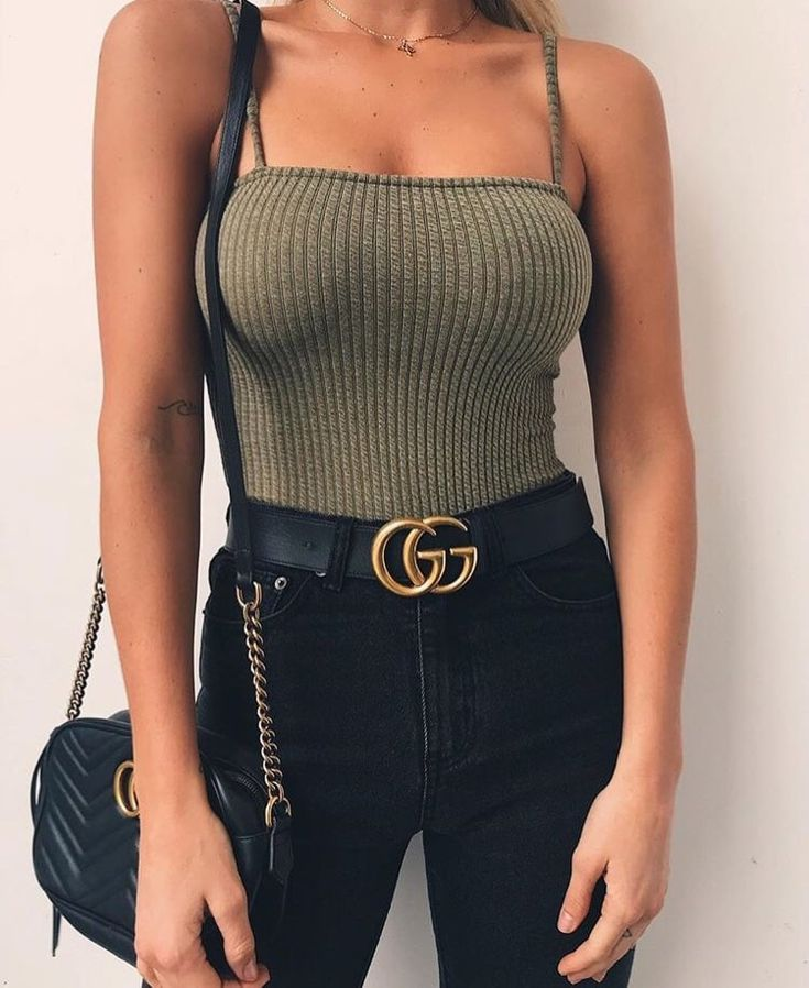 Untitled Pinterest // carriefiter // mode des années 90 street wear street style photographie de style hipster ... #trendystreetstyle