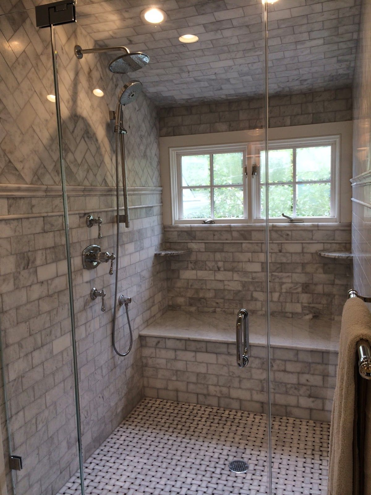 Saw a Beautiful Bathroom Today | Content in a Cottage