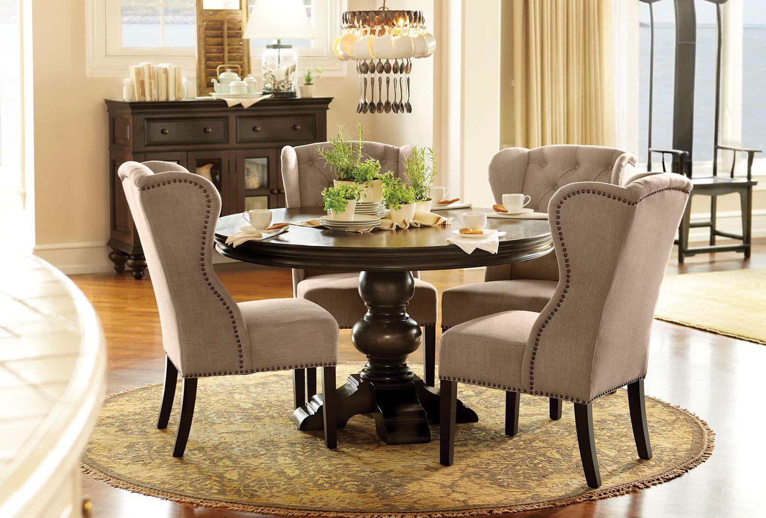 Love The Four Wing Back Chairs Around Round Table