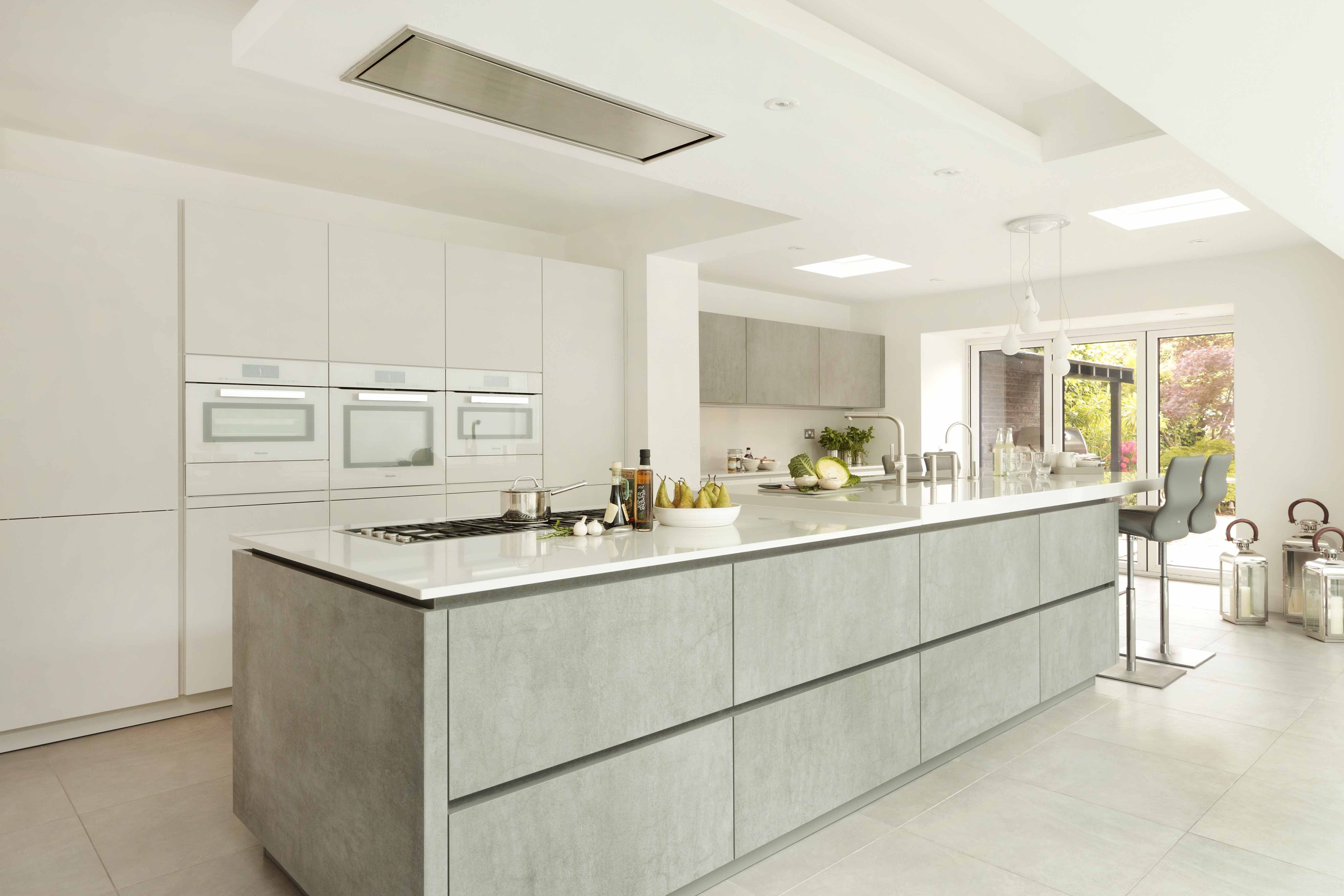 This Stylish And Family Friendly Kitchen Was Created By Graham Robinson Of Halcyon Inte Handleless Kitchen Open Plan Kitchen Living Room Diy Kitchen Renovation