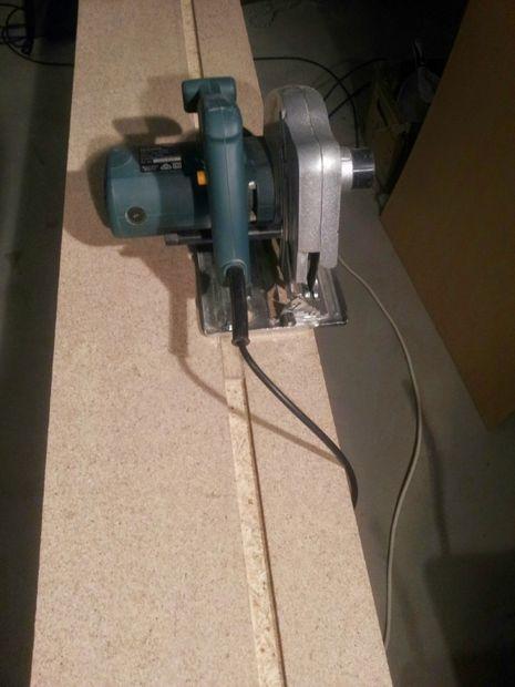Diy Track Saw Using A Cheap Circular Saw Woodworking Workbench Circular Saw Woodworking Wood