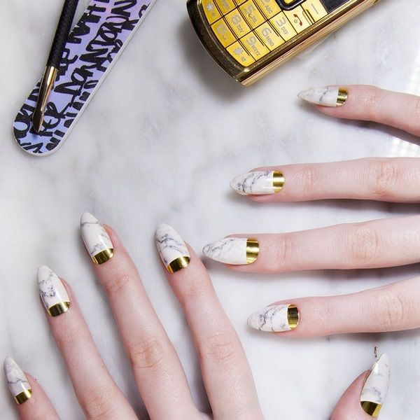 modern manicure marble nails with gold   Nail art ideas   Pinterest ...