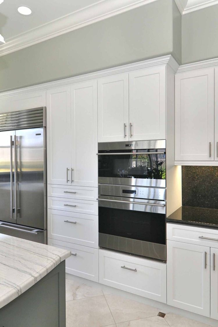 The Naples Shaker Kitchen Cabinet Or Bath Vanity Replacement Cabinet Door Has A Classic Refacing Kitchen Cabinets Thermofoil Cabinets Cabinet Door Replacement