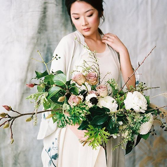 This beautiful Japanese Inspired Bridal shoot is on the blog.  @kychellephoto hosted this amazing workshop at @photonative. They were such a talented team putting together this amazing shoot! I die over everything @amberreverie and @wildfieldpaperco create, I could photograph their work for days! :) Styling and Flowers: Amber Reverie @amberreverie Photographers: Kychelle Photography @himichellewhite @hikylewhite Calligraphy and Backdrop: Wildfield Paper Co. @wildfielspaperco Hair and…