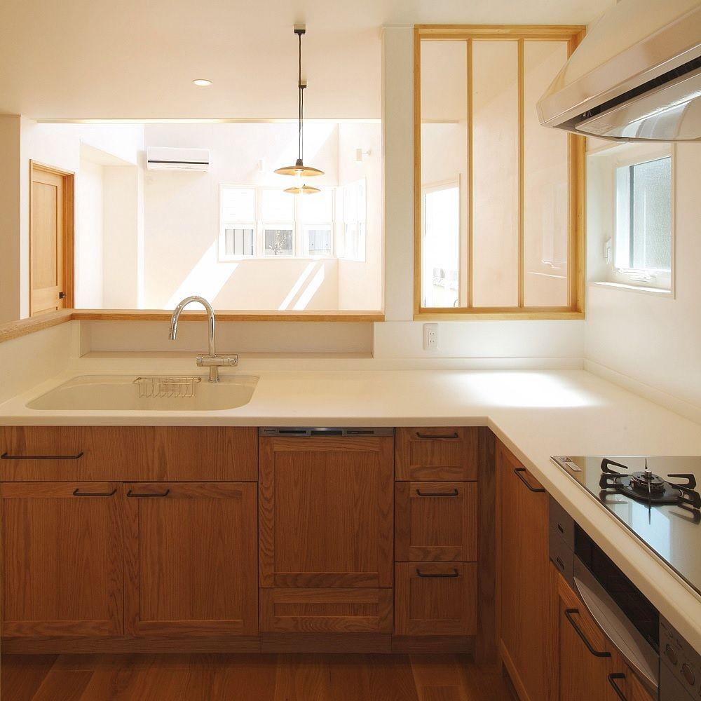 オーク材のl型キッチン 兵庫の注文住宅 キッチン間取り L型キッチン アパートのインテリア
