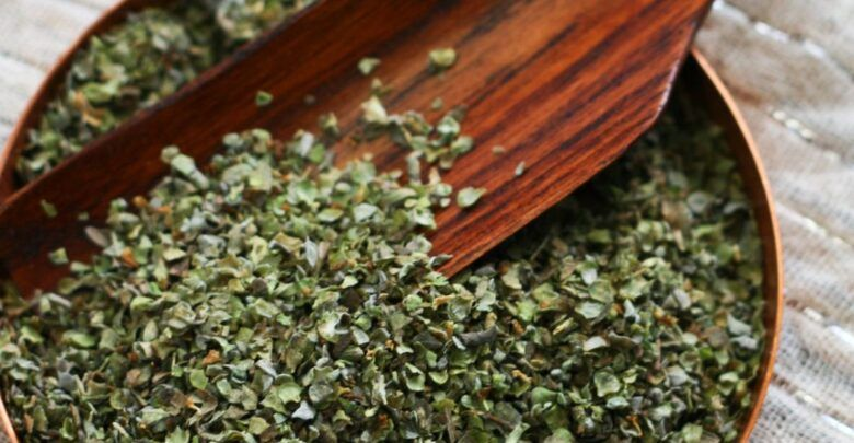 فوائد البردقوش للتخسيس والهرمونات والرحم عند النساء How To Dry Basil Herbs Basil
