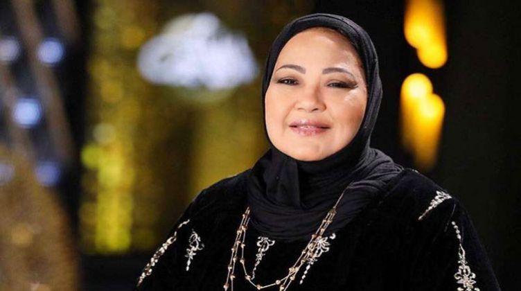 الكشف عن مرض الفنانة الكويتية انتصار الشراح بالفيديو Nun Dress Pearl Necklace Pearls