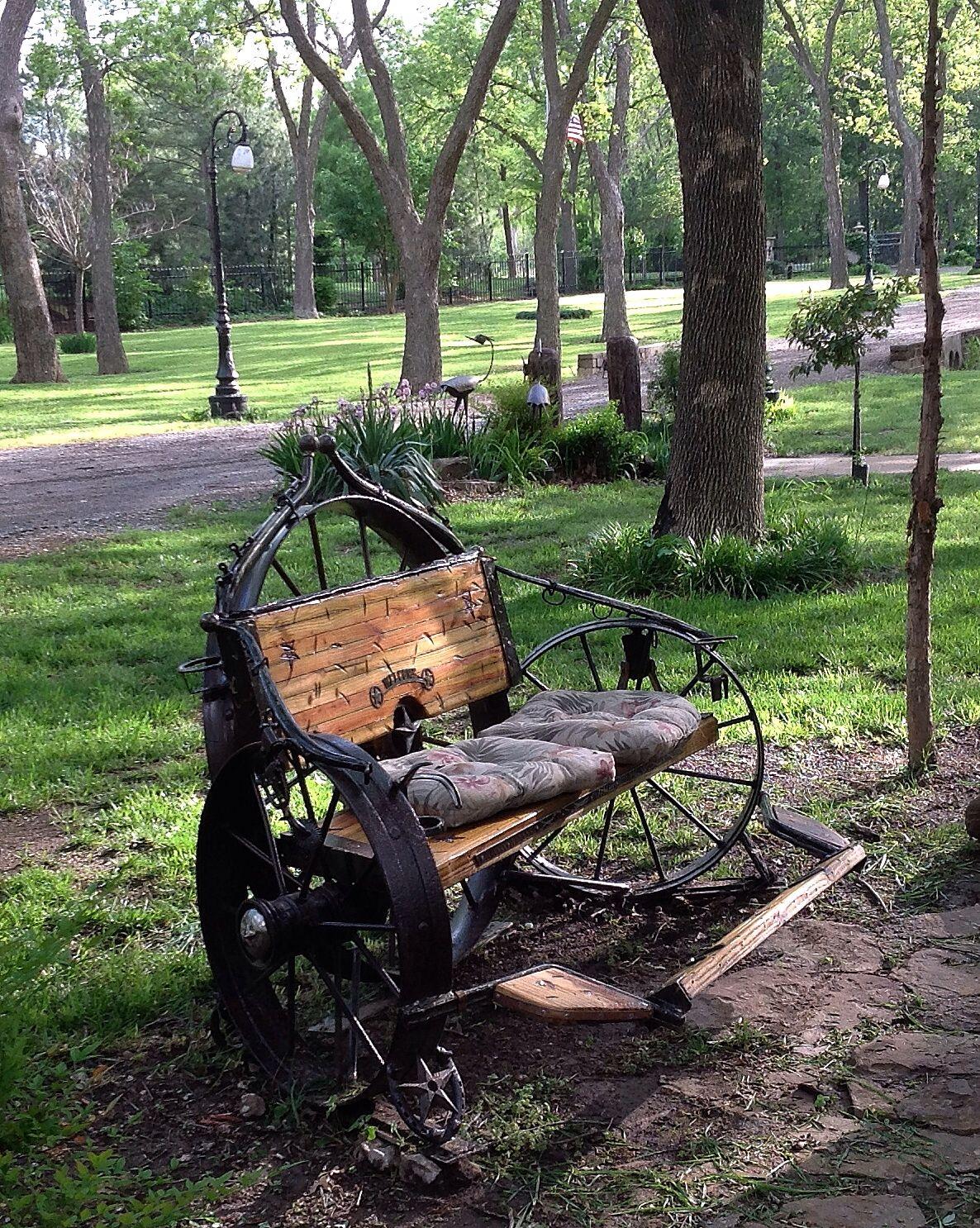 Wagon Wheel Bench Oklahoma Life Old Wheels In 2019