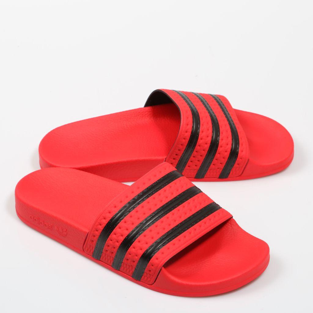 new arrival 0cb9f 42525 Chanclas Adidas Adilette en color rojo con las rayas negras. PoolSandals Adidas  Adilette in red