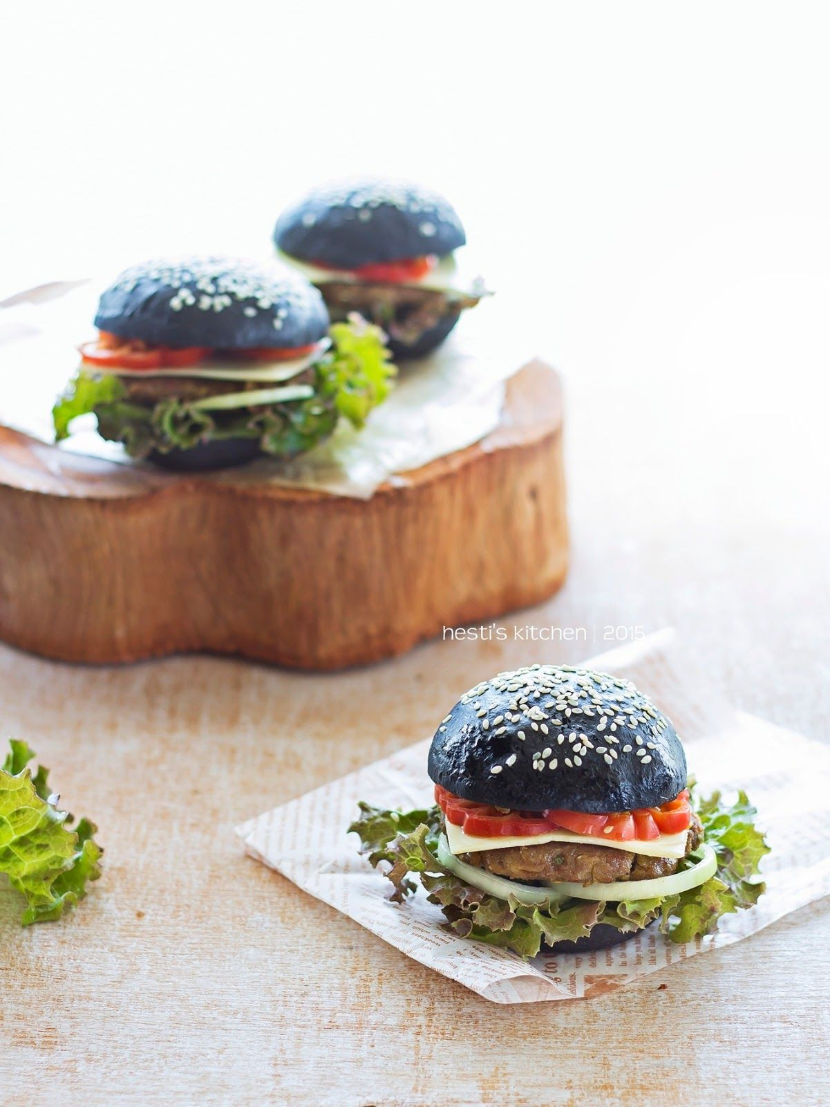 Hesti S Kitchen Yummy For Your Tummy Burger Hitam Resep Sarapan Resep Burger Burger