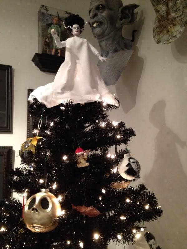 Horror Christmas Ornaments.Horror Movie Themed Tree All Hallowsmas Tree Halloween
