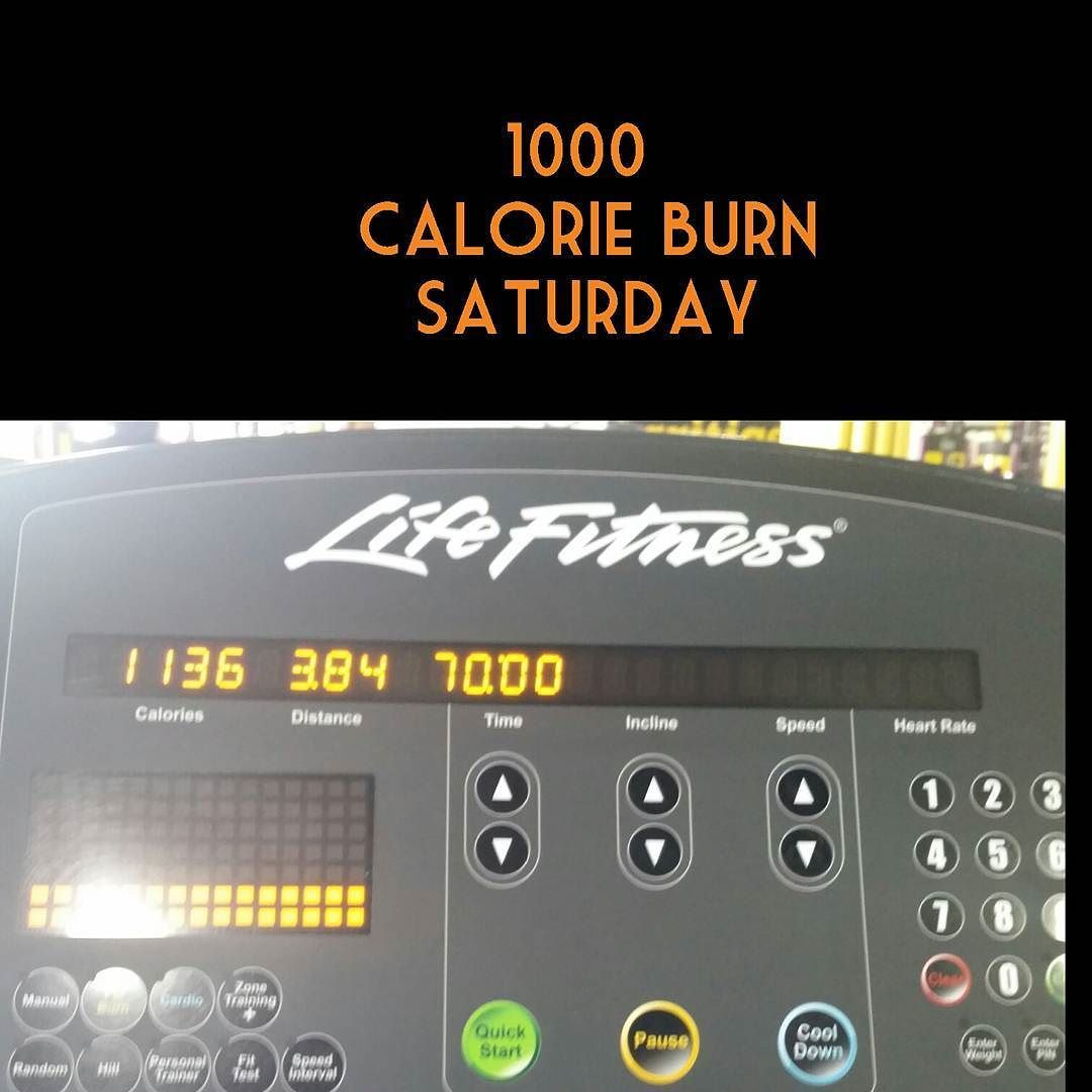 Thousand calorie burn Saturday. Treadmill walk incline at 15. Walked and jogged from 3-4mph. Goal was to burn 1000 calorie as fast as possible did it in 62.5 mins! #goalachieved #burningofffat #diefatdie #myhealthismywealth #healthyaddiction #gymlife #cardioqueen #treadmill #incline #cantstopwontstop #watchmeshrink #poweredbyplants #watchmework #blackfitness #blackwomendoworkout #idontsweatisparkle #veganlife #intermittentfasting #plantbased #incredibleshrinkingwoman #transformationimminent…