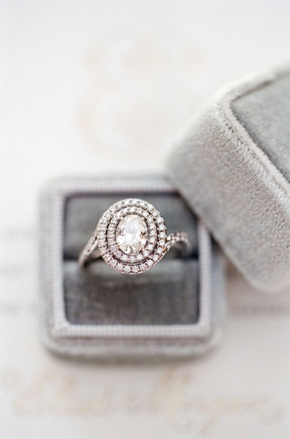 6 Surprising Ways to Make Your Engagement Ring Look Bigger Yes