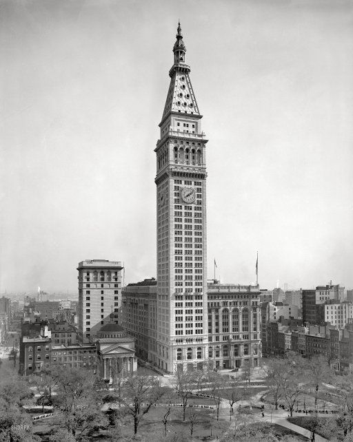 New York Circa 1910 Metropolitan Life Insurance Building
