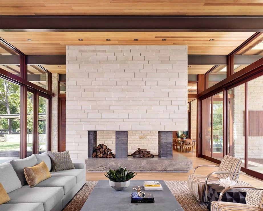 Lake Austin Residence A Parallel Architecture