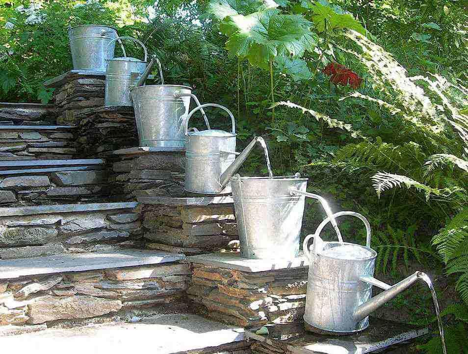 Small backyard fountain for stairs idea fountain in a for Small backyard water features