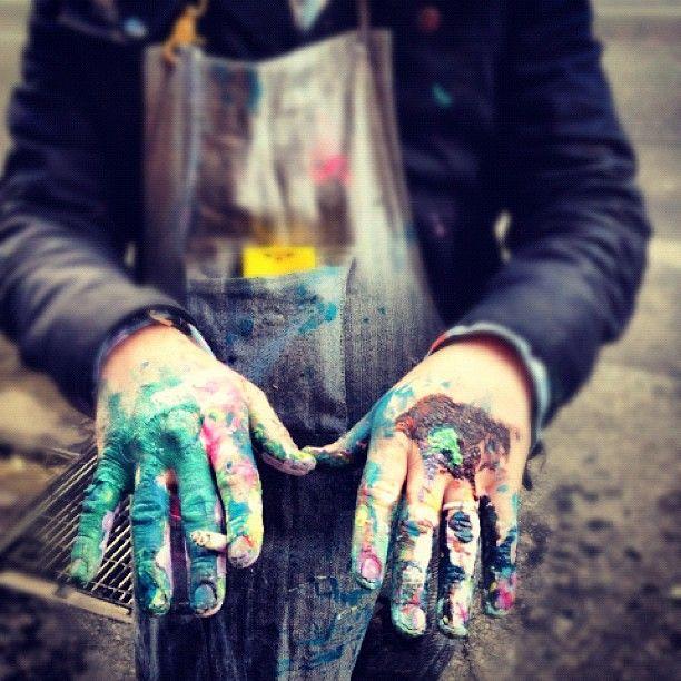 hands as an instrument of art.  another fabulous @shaunaleelange curation.