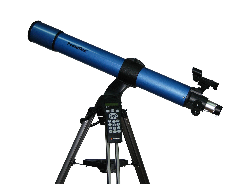 Telescópio. O Zé Carlos vê pelo telescópio.
